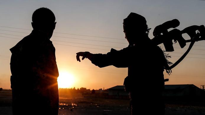De twee jongeren uit Culemborg vertrokken naar Irak en sloten zich aan bij een Nederlandstalig IS-bataljon. Beiden zijn mogelijk dood.