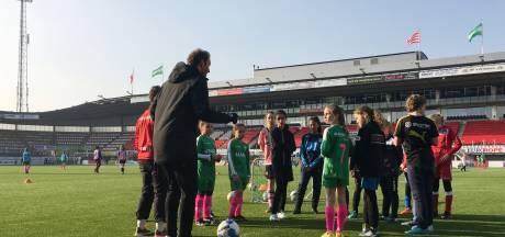 Trainingsdag Sparta/JVOZ trekt 129 voetbalsters naar Kasteel