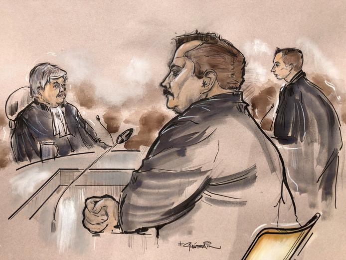 Tegen verdachte Loetje K. is 9 jaar cel en tbs geëist voor het doden van zijn vriendin Dwoëny van den Brink uit Hattem.