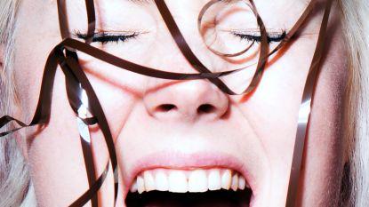 Maakt een lachband het leuker om naar comedyseries te kijken?