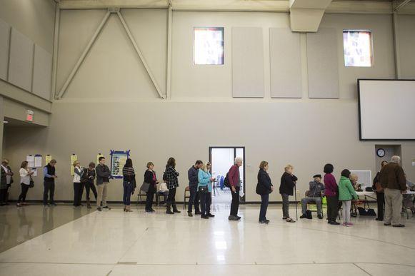 Op veel plaatsen was het lang aanschuiven om te kunnen stemmen.