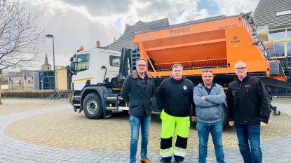 Dienst Openbare Domeinen gemeente Linter neemt nieuwe zoutstrooier in gebruik