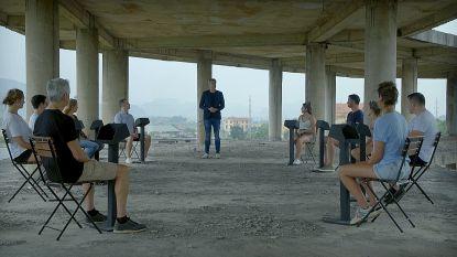 Zo zet Gilles De Coster de 10 kandidaten op het verkeerde been in 'De Mol' (+ wat je niet zag)