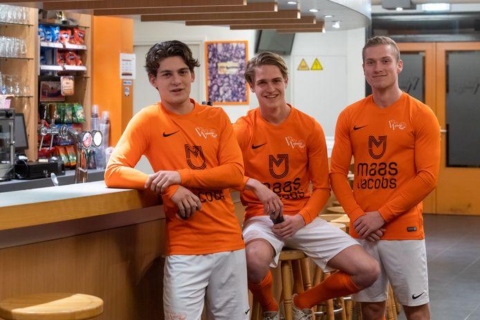 Justin Houtzager, Sem Herijgers en Sietse Sebregts spelen nu voor Moerse Boys. Zondag treffen ze hun oude ploeg Baronie.