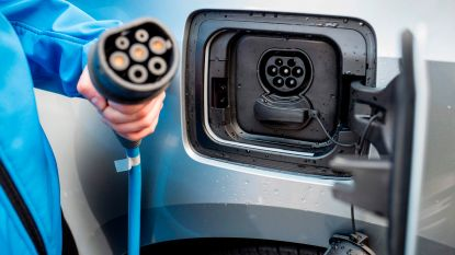 Onuitgegeven coalitie van Groen, CD&V en Open Vld sluit deal over vergroening bedrijfswagens