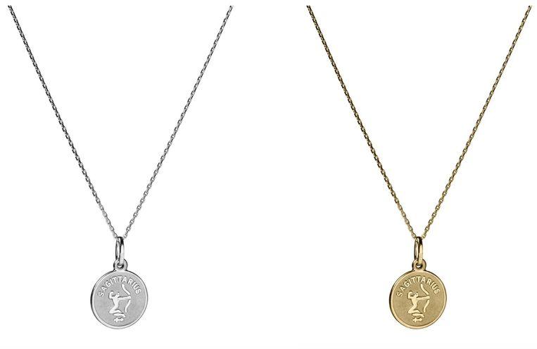 Links het 'Stier'-kettinkje in zilver, rechts de gouden versie.