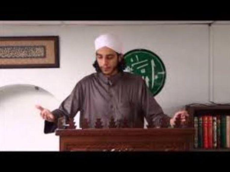 Imam Yousef El G. aan het werk in Antwerpen.