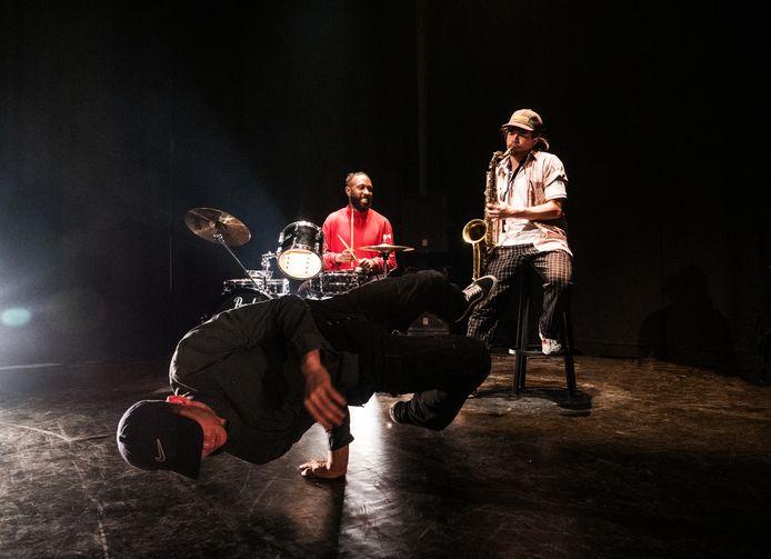 Kunstnacht 2019: Ruben 'Chi' Verhoeven geeft een voorproefje van zijn show.