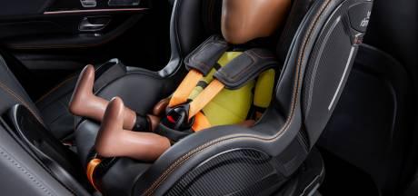 Dit autostoeltje houdt zélf je kind in de gaten