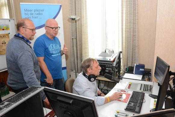Radio Barbier is dit weekend opnieuw in de ether gegaan en zal twee weken lang uitzenden.