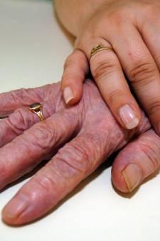 Een op de zes mantelzorgers in regio Arnhem vindt zorg voor naaste zwaar