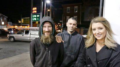 BMW in beslag genomen van koppel dat honderdduizenden dollar inzamelde voor dakloze en geld zelf uitgaf
