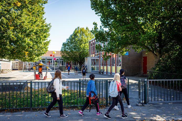 De gemeenteraad moet besluit nemen over sluiting van de Emmaschool.