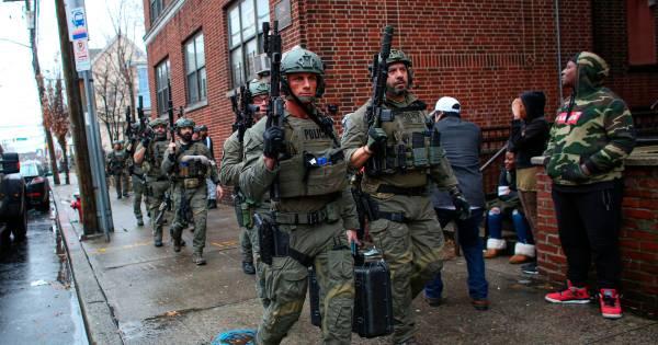 Scène de guerre près de New York: six morts dans une fusillade de plusieurs heures