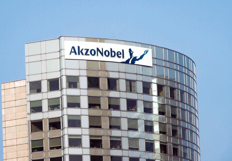 Het voormalige hoofdkantoor van AkzoNobel in Amsterdam. Het bod van Nippon Paint op aanstaande fusiepartner Axalta verstoort de vrijage tussen de twee verfbedrijven. Beeld REUTERS