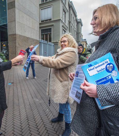 Handtekeningen tegen sluiting spoedpost Beatrix overhandigd in Den Haag: 'Levens komen in gevaar'