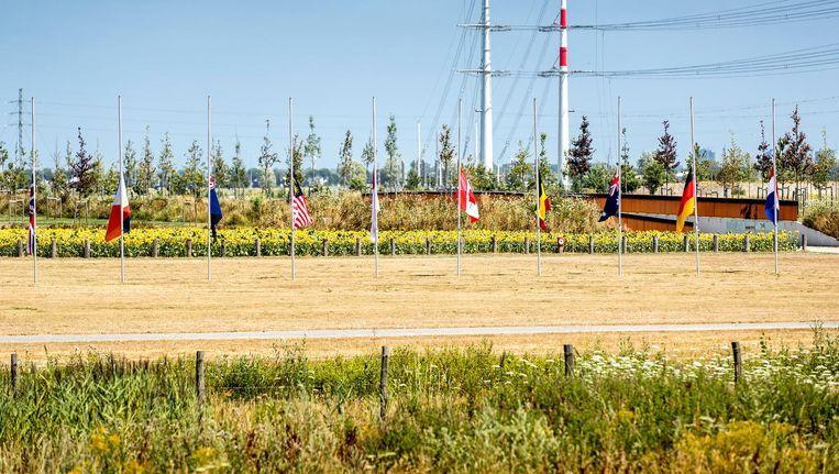 Het Nationaal Monument MH17 in Park Vijfhuizen Beeld anp