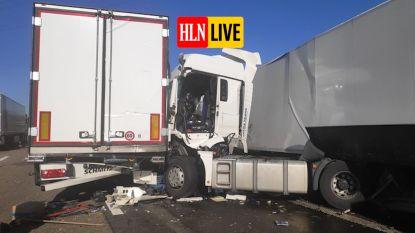 Dode en zwaargewonde bij twee ongevallen met vrachtwagens op E17 Destelbergen, snelweg volledig afgesloten