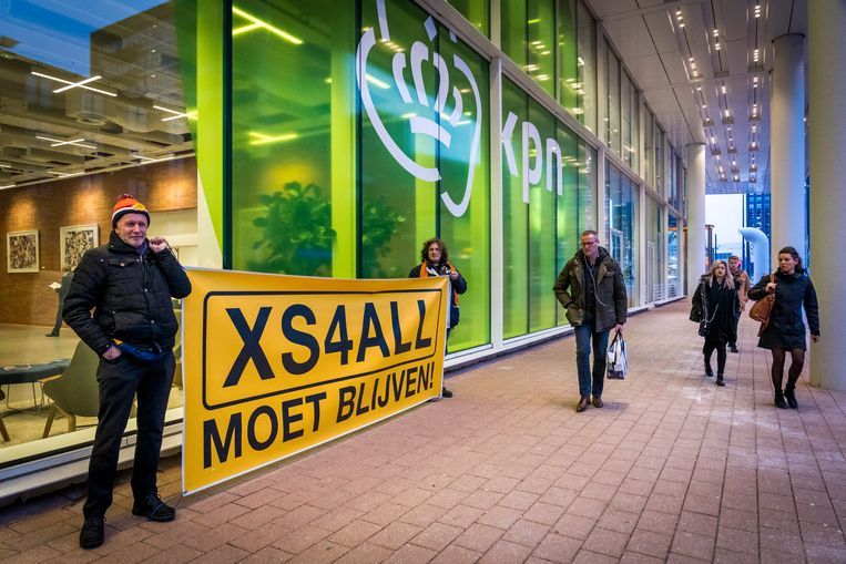 Fans van SX4ALL bij de Ondernemingskamer.  Beeld ANP
