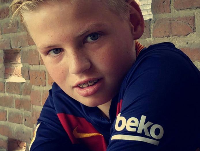 Mees van de Ridder in zijn Barça-shirt.