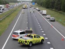 Verkeersinfarct op A1 bij Lochem na ongeval met twee vrachtwagens