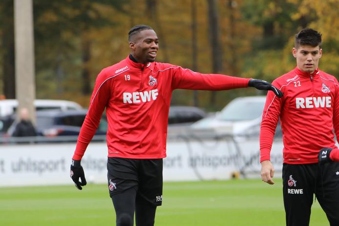 Kingsley Ehizibue tijdens de training van 1. FC Köln.