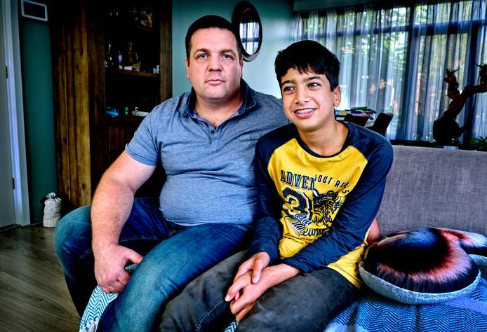 Ethan Borger met zijn vader Remco.