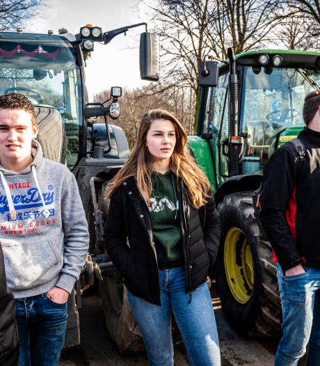 Sofie (16) op de trekker naar Den Haag: 'Ik zie de toekomst best somber in, maar toch wil ik boerin worden'