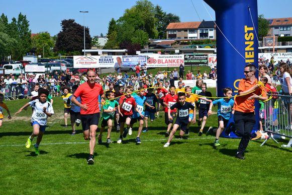 De jeugd van Erpe-Mere toonde zich woensdagnamiddag bijzonder sportief tijdens de jaarlijkse scholenveldloop.
