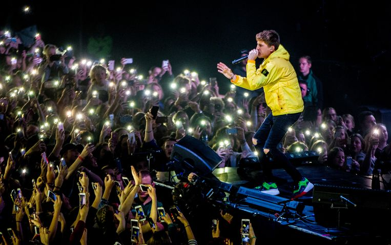 De Nederlandse rapper, zanger, presentator en acteur Lil' Kleine (Jorik Scholten) treedt op in Afas Live. Beeld Hollandse Hoogte /  ANP Kippa