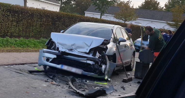 Een van de voertuigen raakte zwaar beschadigd.
