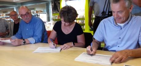 Fractievoorzitter Annelies Bakelaar (CDA Ommen) heeft stokje overgegeven