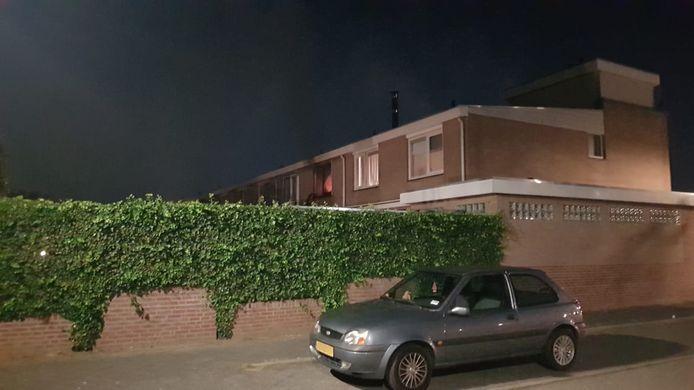 In de slaapkamer van een woning aan de Diemewei in Wijchen heeft dinsdagavond een felle brand gewoed