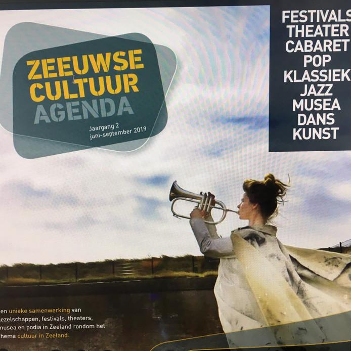 Nieuwe glossy Zeeuwse Cultuur Agenda, vormgegeven door Reclamebureau La Dolce Vita, Middelburg.