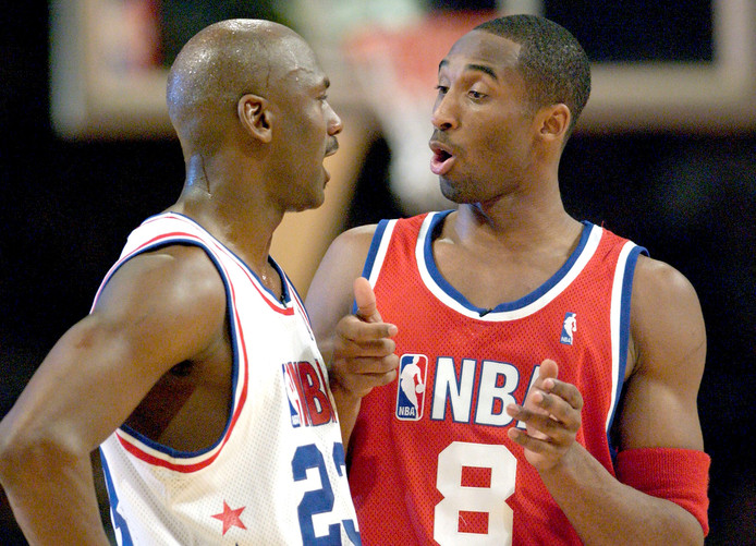 Michael Jordan en Kobe Bryant tijdens de All-Star Game in 2003.