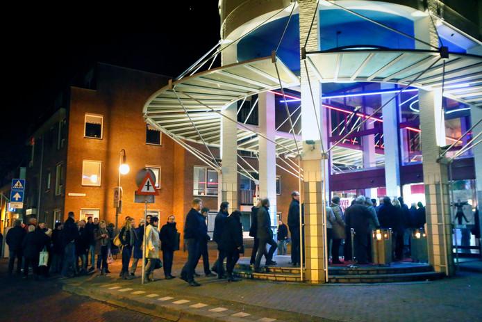 De Gorcumse schouwburg krijgt als het aan het college van burgemeester en wethouders ligt een grondige renovatie. Kosten: 7 miljoen euro.