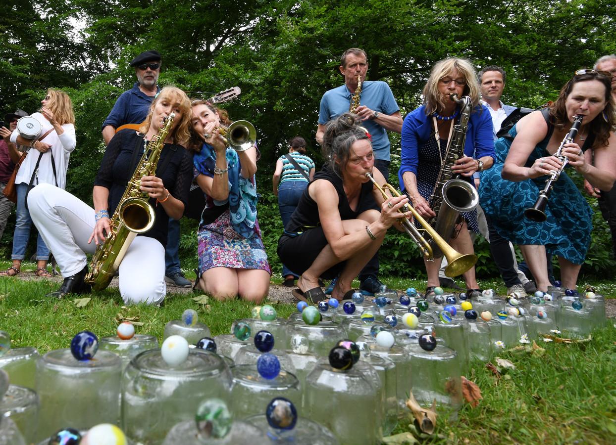 Blaasorkest bij Ode aan de Linge