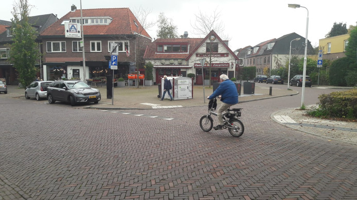 Het pleintje op de hoek van de Utrechtseweg en de Appelweg wordt groen.