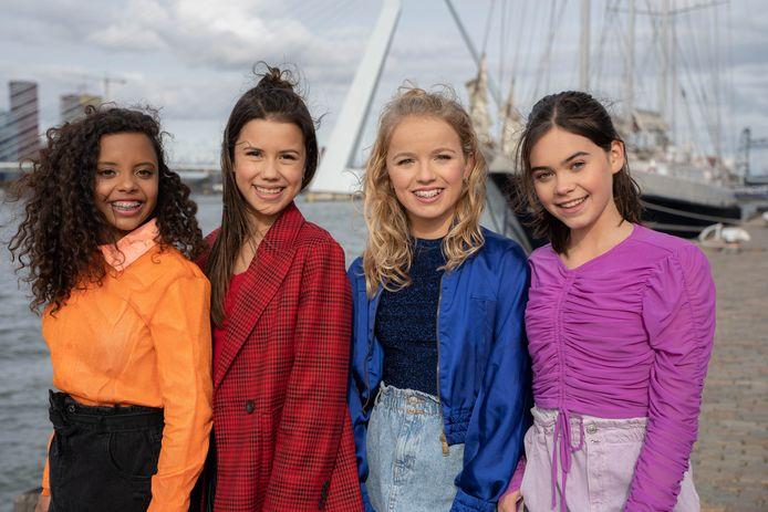 Naomi Traa (tweede van links) en de andere meiden van Unity.