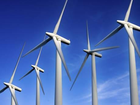 Omwonenden ondernemen actie tegen windturbines bij Sluis, aan beide kanten van de grens