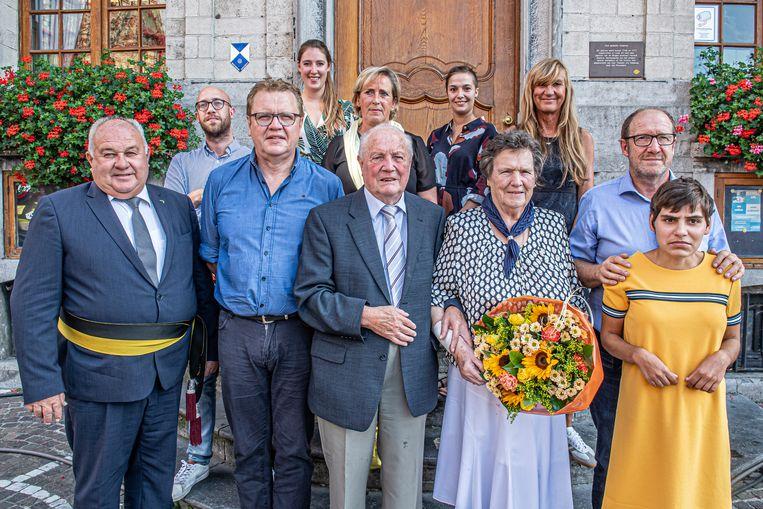 Erna en Marcel werden voor hun 60-jarig jubileum op het gemeentehuis ontvangen.