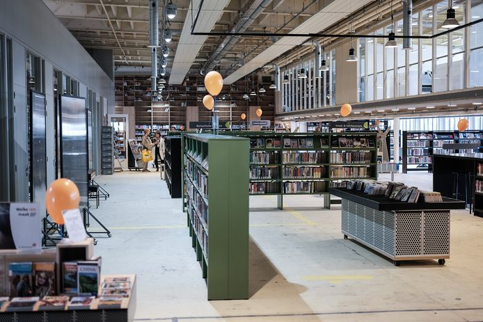 De nieuwe bieb in Hal12. Foto : Jan Ruland van den Brink