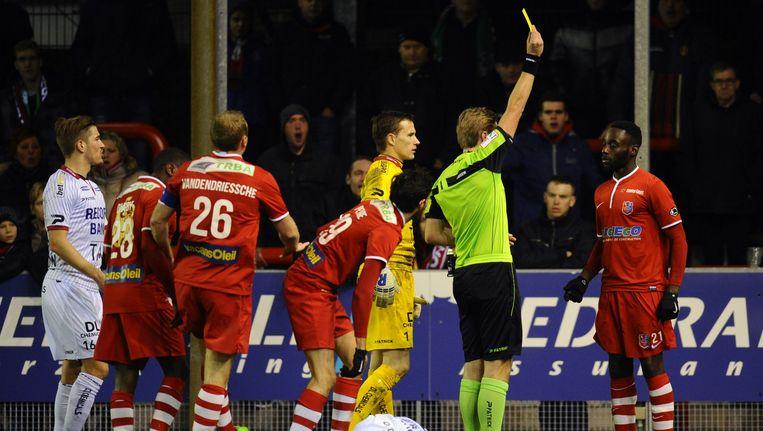 Voor Kévin Boli was het zaterdagavond een bewogen avond: een gele kaart, ontsnapt aan rood, maar dan toch nog uitgesloten.