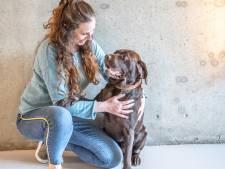 Melissa (27) uit Zwolle zit met handen in haar: 'Ik heb een hulphond nodig om naar de supermarkt te kunnen'
