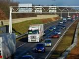 Lange file op A58 tussen Tilburg en Eindhoven door ongeluk met drie auto's: linkerrijstrook dicht