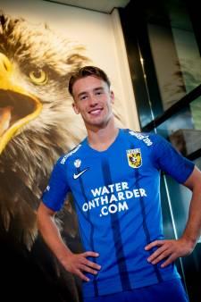 'Ernems blauw' uitshirt Vitesse volledig ontworpen door supporters