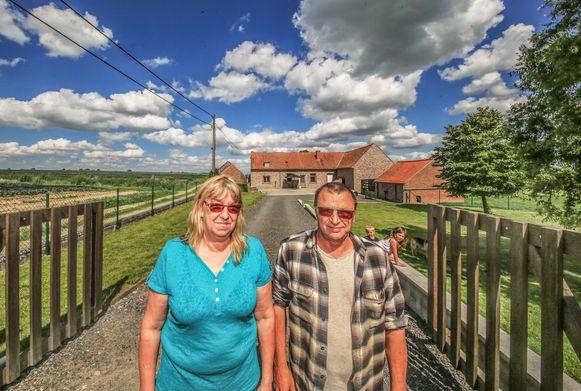 """Danny Rotsaert en Myriam Bondue. """"We wonen hier graag omdat het zo rustig is."""""""