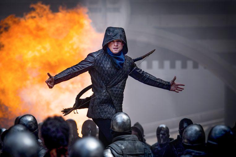 Taron Egerton in Otto Bathursts Robin Hood Beeld