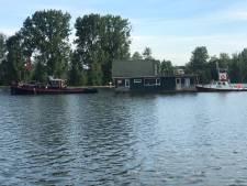 Restaurantboot maakt vaart van 30 uur richting Wijhe: 'Begin juli wellicht wel de eerste drankjes op het terras'