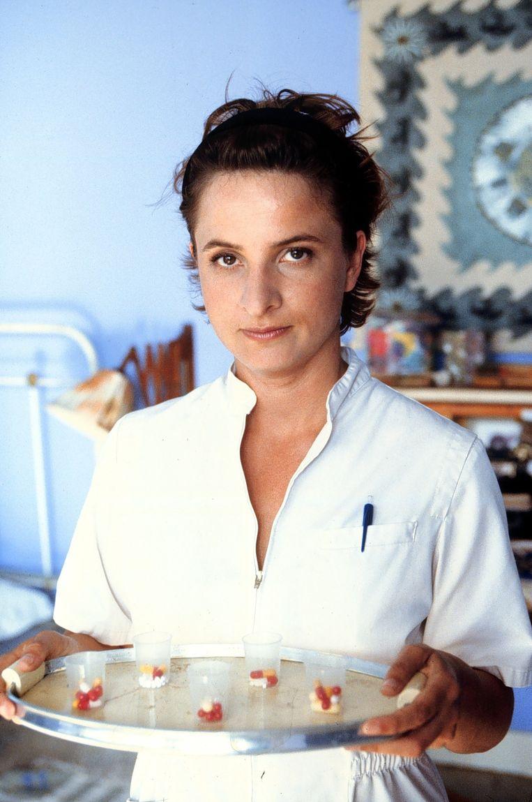 Jacqueline Blom als zuster in Loenatik Beeld anp